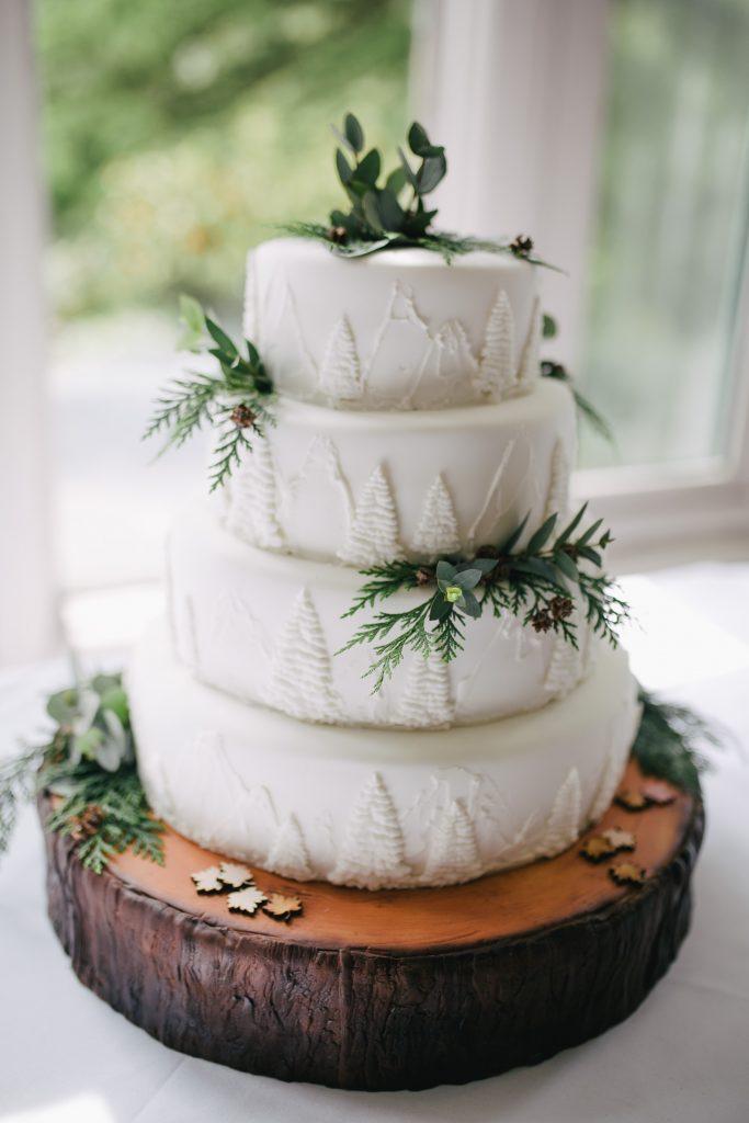 Gâteau de mariage, Comment décorer un gâteau de mariage ?